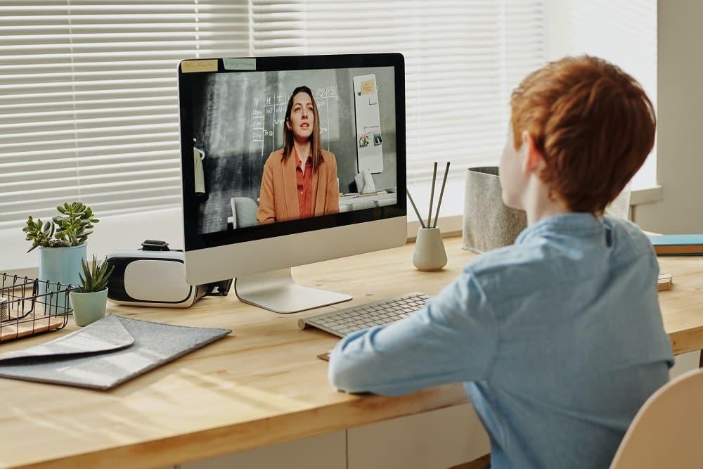 donner des cours en ligne peut apporter un complément de revenu sur internet